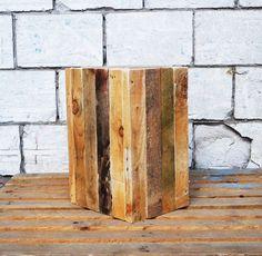 Donna houten plantenbak gemaakt van gerecycled hout.