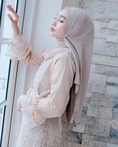 Arab Girls Hijab, Girl Hijab, Kebaya Modern Hijab, Kebaya Dress, Pretty People, Dresses, Fashion, Women's Work Fashion, Women's