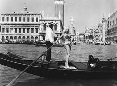 70 anni di bikini: le immagini vintage delle dive