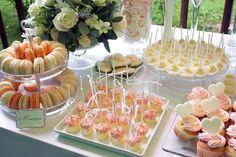 сладкий стол на свадьбу: 18 тыс изображений найдено в Яндекс.Картинках