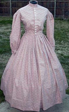 Civil War era dress - cotton day dress with pleated back