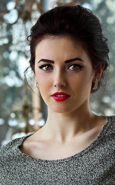 Teona by ioanaalexandra on DeviantArt City People, New Look, My Photos, Deviantart, Romania, Model, Woman, Scale Model