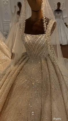White Ball Gowns, White Wedding Gowns, Luxury Wedding Dress, Gorgeous Wedding Dress, Dream Wedding Dresses, Turkish Wedding Dress, Wedding Dress Bustle, Affordable Wedding Dresses, Marie