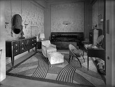 Stunning Photographs of Vintage Parisian Architecture Art Deco Stil, Art Deco Home, Art Deco Era, Parisian Architecture, Interior Architecture, Interior Design, Victorian Architecture, Décoration New York, Interiores Art Deco