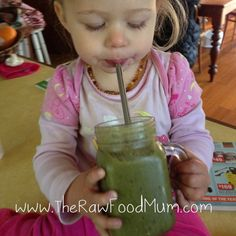 Raw Food mum Green Smoothies for kids Clean Eating Kids, Healthy Eating, Smoothies For Kids, Green Smoothies, Vanilla Smoothie, Oil Pulling, 4 Kids, Raw Food Recipes, Kids Meals