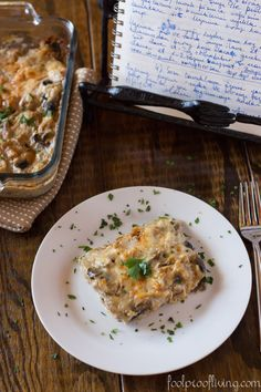 Shredded chicken and mushrooms with béchamel sauce