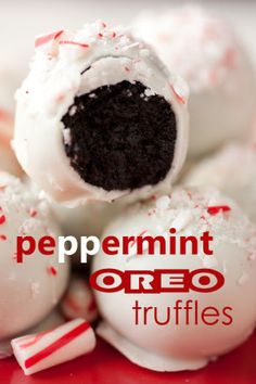 Peppermint Oreo Truffles. Yes please!