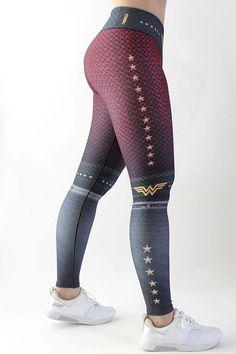 Legging printed captain America or wonder woman design thighs Superhero Leggings, Grey Sports Leggings, Workout Attire, Workout Wear, Gym Clothes Women, Best Leggings, Wonder Woman, Leggings Fashion, Printed Leggings