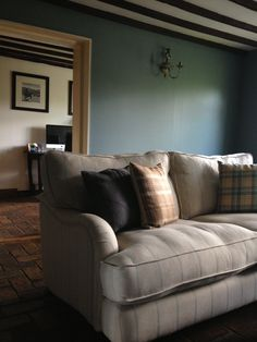 The colour of our sitting room: Farrow and ball oval room blue.