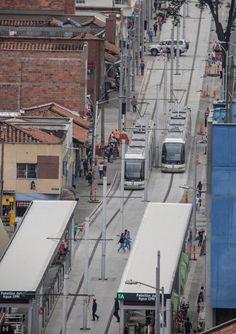 Tranvía de Ayacucho - Medellín Train Light, Light Rail, Cityscapes, Times Square, Street View, Travel, World, Antique Photos, Colombia