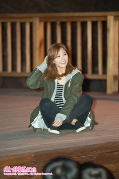 APink EunJi's layered outfit~