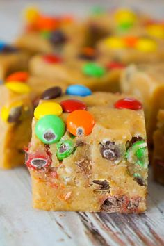 Monster Cookie Dough Fudge is an easy no bake microwave fudge recipe. This creamy fudge is made with peanut butter cookie dough mixed with Reese's peanut butter baking chips and condensed milk. Easy Chocolate Fudge, Nutella Fudge, Chocolate Peanut Butter Fudge, Oreo Fudge, Mint Chocolate, Chocolate Clusters, Chocolate Treats, Chocolate Chips, Monster Cookie Dough