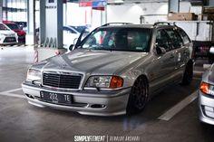 Wagon Cars, Bmw Wagon, Mercedes Benz C180, Mercedez Benz, Ride 2, Classic Mercedes, Car Engine, Modified Cars, Porsche