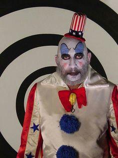 Captain Spaulding - House of 1000 Corpses Rob Zombie Film, Zombie Movies, Scary Movies, Zombie Music, Slasher Movies, Horror Movie Characters, Horror Movies, White Zombie, Horror Artwork