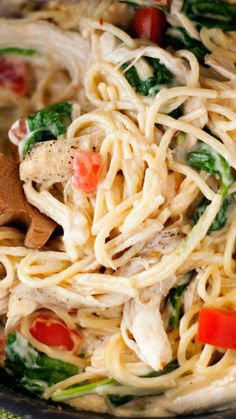 One Pan Chicken Florentine Spaghetti Use gluten free pasta Entree Recipes, Dinner Recipes, Cooking Recipes, Healthy Recipes, Pasta Recipes, One Pan Chicken, Yum Yum Chicken, Chicken Spinach Recipes, Recipe Chicken
