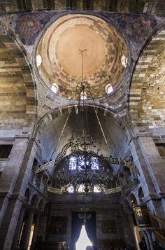 Ekatontapiliani church (A hundred gates)  Parikia Paros  http://www.myparos.com/paros-sight-seeing/the-church-of-ekatontapyliani/