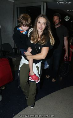 Brooke Mueller And her children at Los Angeles International Airport (LAX) http://icelebz.com/events/brooke_mueller_and_her_children_at_los_angeles_international_airport_lax_/photo1.html