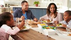 Family Dinner Traditions - The Importance of Eating Together #trardition #family #dinner