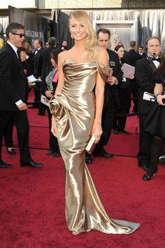 El vestido dorado de Stacy