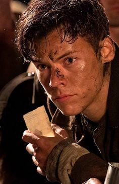 Harry styles ❤❤ one direction, dunkirk movie, dunkirk cast, dunkirk alex, Harry Styles Baby, Harry Edward Styles, Harry Styles Fotos, Harry Styles Mode, Harry Styles Pictures, Harry Styles Short Hair, Another Man Harry Styles, Harry Styles Dimples, Harry Styles Crying