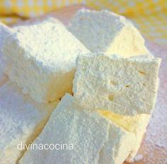 Estas nubes de limón (malvaviscos de limón) son fáciles de preparar, con ingredientes sencillos. Como resultado tienes unas chuches deliciosas y naturales.