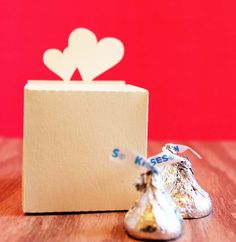 Tiffzippy - Double Heart Favor Boxes, $27.00 (http://www.tiffzippy.com/double-heart-favor-boxes/)