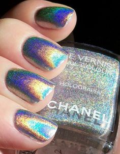 hologram nail polish by Chanel. Must find this nail polish! Chanel Nail Polish, Chanel Nails, Nails Polish, Holographic Nail Polish, Holographic Glitter, Holographic Fashion, Chanel Chanel, Iridescent Nail Polish, Iridescent Fashion