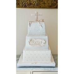 First Communion cake made for the lovely Sarah #firstcommunioncake #first #communion #firstcommunion #cake #christeningcake #cakedecoration #fondant #sugarpaste #caketier #mudchocolatecake #ganache #white #offwhite #gateauxoflove