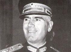 Έλληνας στρατιωτικός, ένας από της πρωτεργάτες του πραξικοπήματος της 21ης Απριλίου 1967 και ηγετικό στέλεχος της επακολουθήσασας επτάχρονης δικτατορίας.
