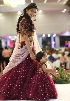Bangalore Lehenga Shopping Guide includes budget lehenga stores, designers, saree labels along with christian wedding gowns list. Mom Daughter Matching Dresses, Mom And Baby Dresses, Dresses Kids Girl, Kids Party Wear Dresses, White Wedding Gowns, Best Wedding Dresses, Wedding Wear, Long Gown Dress, The Dress