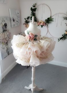 Memory Lane Dress by Anna Triant Couture Little Girl Gowns, Gowns For Girls, Baby Girl Birthday Dress, Birthday Dresses, Cute Flower Girl Dresses, Baby Girl Dresses, Girl Tutu, Flower Girls, Princess Dress Kids