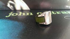Anello in cuoio verde edizione limitata