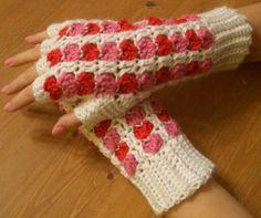 Lovey Fingerless Gloves | AllFreeCrochet.com