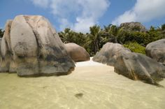 Seychelles Les Seychelles, Mount Rushmore, Mountains, Nature, Travel, Nice Beach, Vacation, Viajes, Traveling