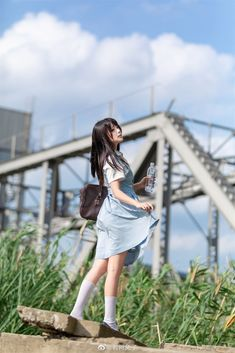 Japonese Girl, Human Poses Reference, School Girl Japan, Human Photography, Cute Japanese Girl, Cool Poses, Japanese Aesthetic, Oriental Fashion, Japan Fashion