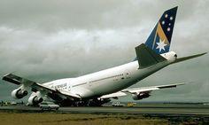 Ansett Australia, B747-300, Nose Gear Collapse, VH-INH