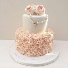 First Holy Communion Cake, Première Communion, Dedication Cake, Christening Cake Girls, First Communion Decorations, Confirmation Cakes, Pear Cake, Hazelnut Cake, Girl Cakes