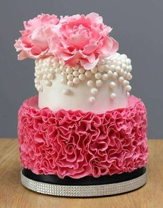 ideas for cupcakes decoration girly pearls Gorgeous Cakes, Pretty Cakes, Cute Cakes, Amazing Cakes, Girly Cakes, Fancy Cakes, Pink Cakes, Fondant Cakes, Cupcake Cakes
