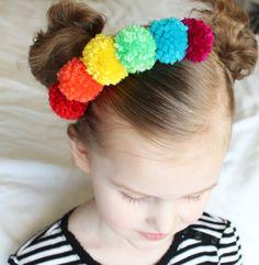 Rainbow pom pom neck