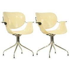 Rare pair of George Nelson MAA chairs Futuristic Furniture, Modern Furniture, Furniture Design, Plywood Furniture, Hippy Room, Hippie Room Decor, Bedroom Clocks, Paris Bedroom, Wall Clocks