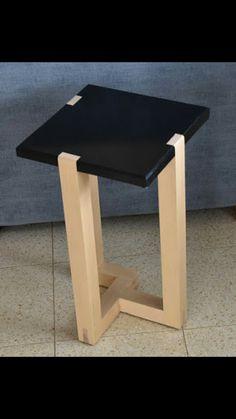 Modern Wood Furniture, Cute Furniture, Wood Pallet Furniture, Wood Pallets, Woodworking Ideas Table, Small Woodworking Projects, Diy Wooden Projects, Wooden Diy, Wood Phone Holder