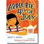 Apple Pie Fourth of July, by Janet Wong. (Harcourt, A Chinese American child fears that the food her parents are preparing to sell on the Fourth of July will not be eaten. This Is A Book, The Book, Cooking Chinese Food, American Children, American Girl, American History, Chinese American, Aleta, Early Childhood Education