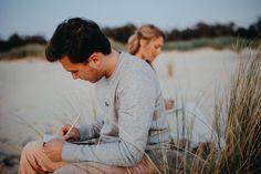 L'écriture des voeux, toujours un moment à  part pour un couple, en tant qu'officiante de cérémonie je suis là pour  vous aider et vous guider .....   Merci @Stephenliberge pour cette magnifique photo Event Agency, Golden Hour, News Blog, Couple Photos, Moment, Couples, Articles, Thanks, Tips