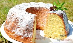 Extra jemné, lahodné croissanty s čokoládou Savarin, Bunt Cakes, Czech Recipes, Hungarian Recipes, Sweet Cakes, Cake Cookies, Pound Cake, Sweet Recipes, Breakfast Recipes