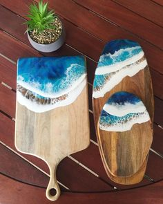 Charcuterie - Meat and Cheese Serving Board - Appetizer Platter - Resin Art Ocean waves - Housewarmi - Salvabrani Theyre both coated in a food safe, bpa-free, non-toxic resin. Coasters are backed with corked. Diy Resin Crafts, Wood Crafts, Kids Crafts, Epoxy Resin Art, Wood Resin, Resin Furniture, Bois Diy, Acrylic Pouring Art, Resin Artwork
