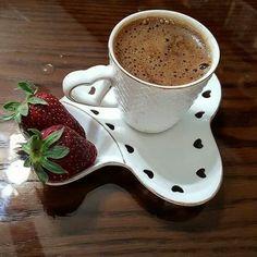 Coffee Machine Second Hand Refferal: 4507090093 Coffee Vs Tea, Coffee Latte, I Love Coffee, Coffee Drinks, Coffee Cups, Tea Cups, Brown Coffee, Good Morning Coffee, Coffee Break