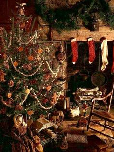 From Time-Life's American Country Book, Country Christmas. I… - Christmas Pictures Primitive Christmas Decorating, Primitive Country Christmas, Cabin Christmas, Country Christmas Decorations, Christmas Room, Christmas Scenes, Noel Christmas, Victorian Christmas, Rustic Christmas