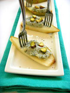 DOLCEmente SALATO: Tartine di pera con gorgonzola e pistacchi