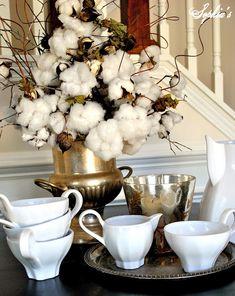 I LOVE the cotton bolls as a floral arrangement (via Sophia's Live Beautifully Blog)
