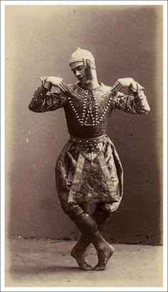Dancer Vaslav Nijinsky in costume for the 'Danse Siamoise' in Diaghilev's 'Les Orientales,' Paris, 1910.